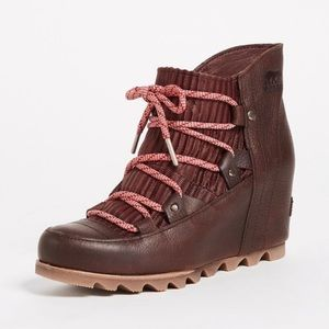 RARE🔥 Sorel Sandy Wedge Boot